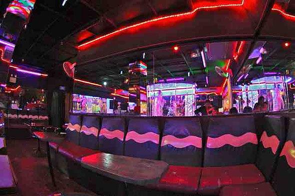 Unha noite en prostitutas do barrio de Bangkok