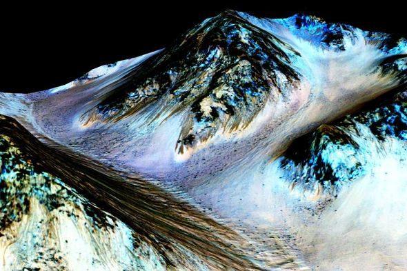 Hi ha aigua líquida a Mart. Ara