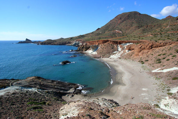 Cabo de Gata: snow, the pastor and the lighthouse keeper