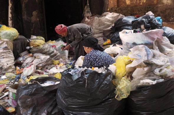 Amira y Michael: amor entre la basura