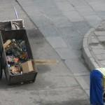 Aseando las calles de Lhasa