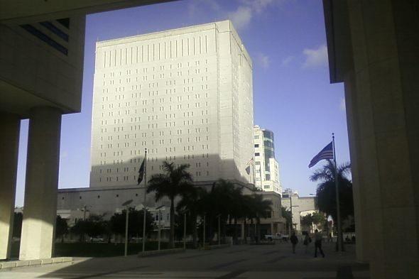Miami Gefängnis: Schatten am Strand