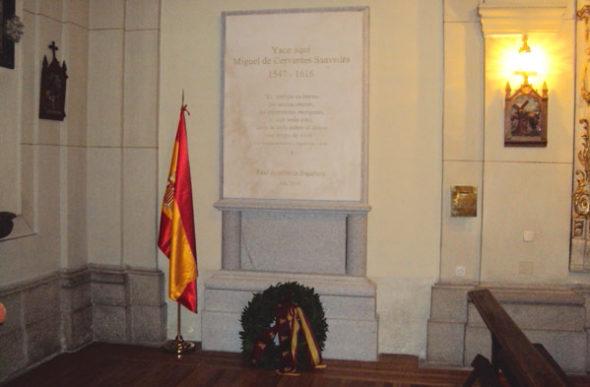 Un escéptico frente a la tumba de Cervantes