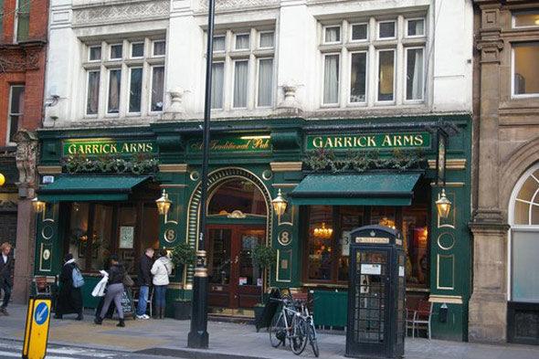 Trollope y los clubs: la esencia de Londres