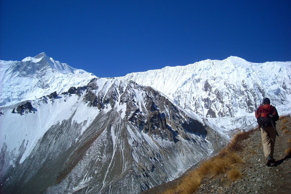 Sendeirismo no Annapurna: arriba, onde o mundo remata
