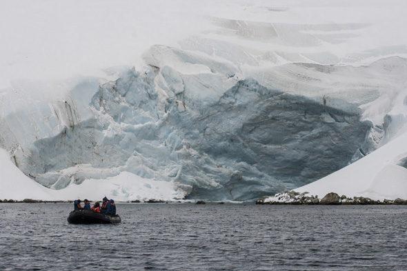 Grytviken: een toast op het graf van Shackleton (II)
