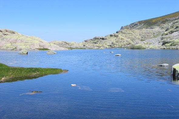 Laguna de Gredos: el espejismo de la soledad