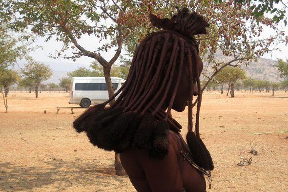 Himba: sueños peinados de arena