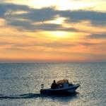 Barca y atardecer Barriada Cabo de Gata