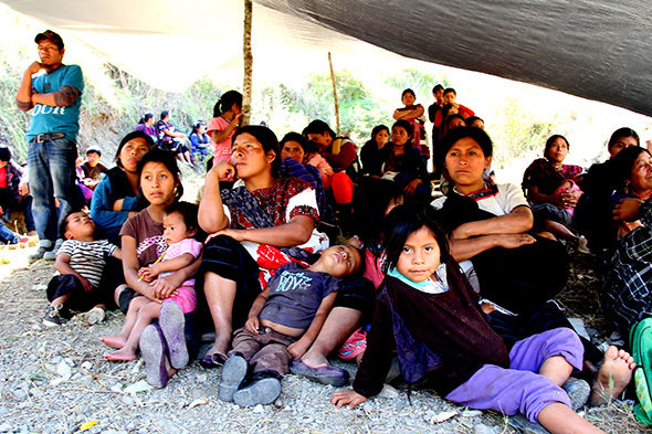 Refuxiados abandonadas nas montañas de Chiapas