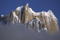 La gran Torre del Trango en el glaciar de Baltoro