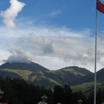 La bandera china ondeando en Lhasa