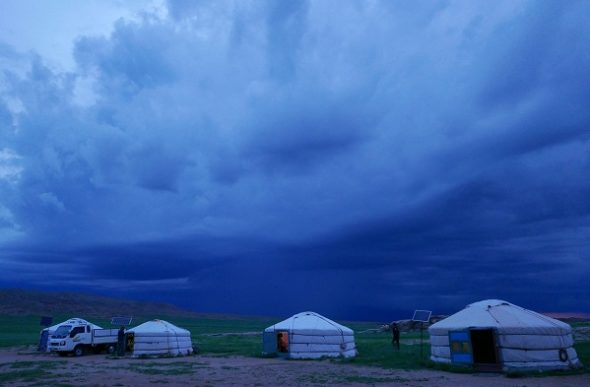 Yurta Mongoliako: 30 bizi metro koadro osoa
