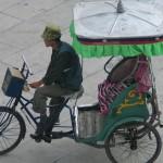 Rickshaw en las calles de Lhasa
