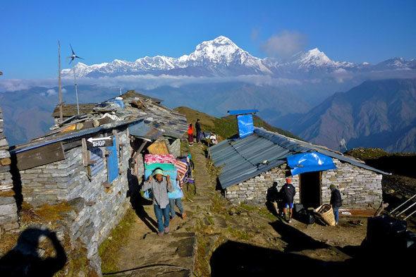 """Millet ardoa eta haragi lehorrak: """"Tea House"""" Himalaiako"""