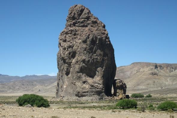 El centinela de piedra de la estepa patagónica