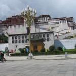 La avenida principal de Lhasa