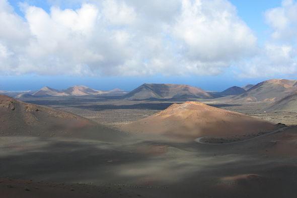 Timanfaya: esplendor entre volcanes