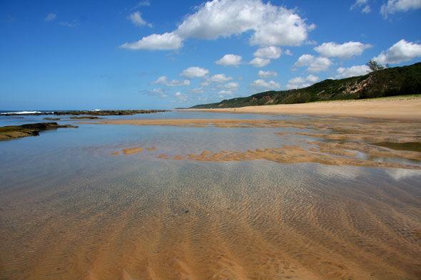 Chongoene: acampar nunha praia deserta