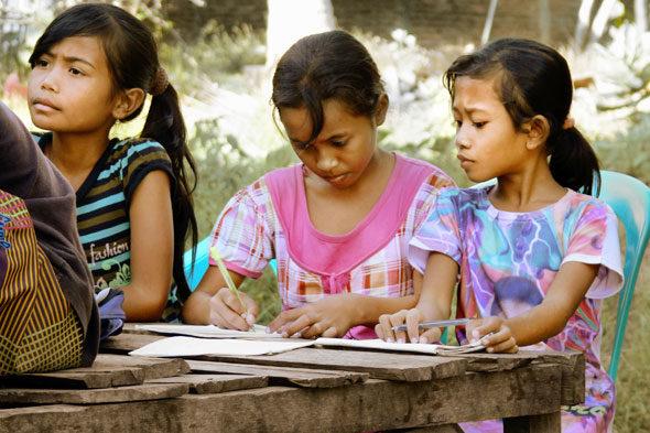 Isla de Sumbawa: nascido e uma ONG