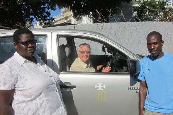 アフリカで修道女の生活: カルメンの勇気