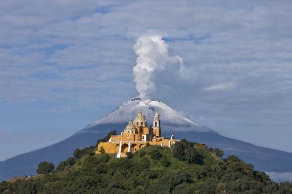 Cholula: Vulkane speien, wo Kirchen