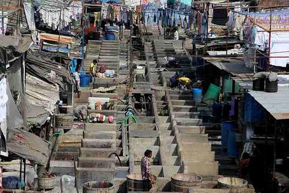 Mumbai: turismo na miseria e morte
