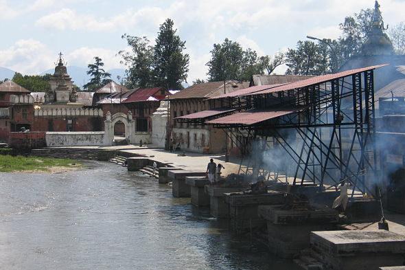 Pashupatinath: o río dos mortos