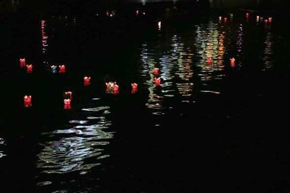 La noche encendida de Hoi An