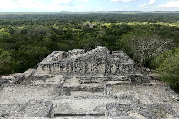 Viaje al reino de selva, piedra y murciélagos de Calakmul
