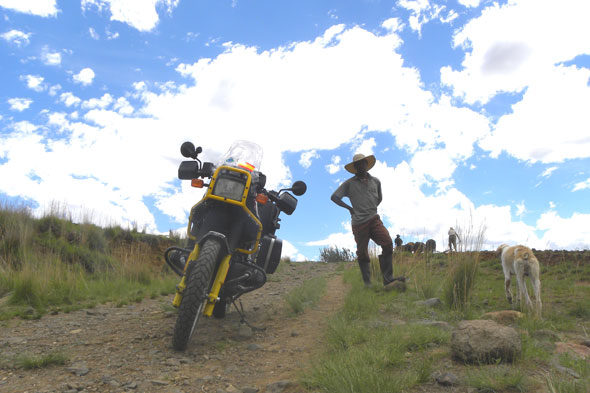 Riders for Health: Africano da motocicleta